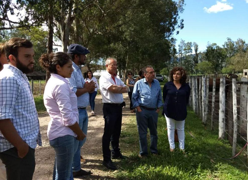 Ministros Barañao y Abud Robles evaluaron servicios ganaderos en El Remate